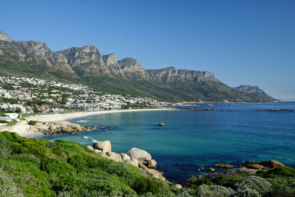 One of Monique favorite's place is this view on Table moutains... The 12 apostles are a symbol of Cape Town.