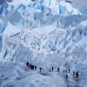 Day 140 – Argentina – El Calafate – The main reason why people go to El Calafate is the famous Galcier Perito Moreno. An impressive an memorable ice trek is waiting for you!