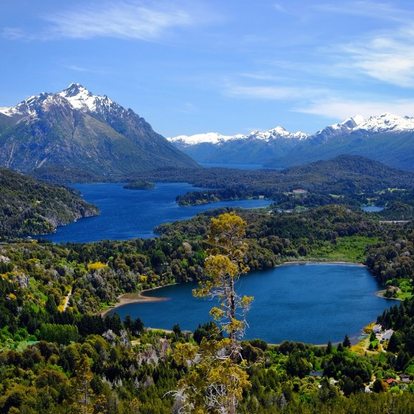 Day 145 – Argentina – Bariloche – Bariloche region is very famous for its lakes. Climb the Cerro Campanario to get this amazing view.