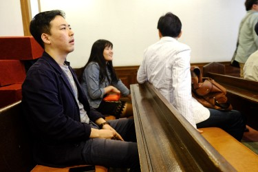 Jun Ho usually goes to church on Sunday afternoon.