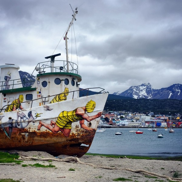 Day 169 – Argentina – Ushuaia – Abandoned boat on the banks of the Beagle Channel